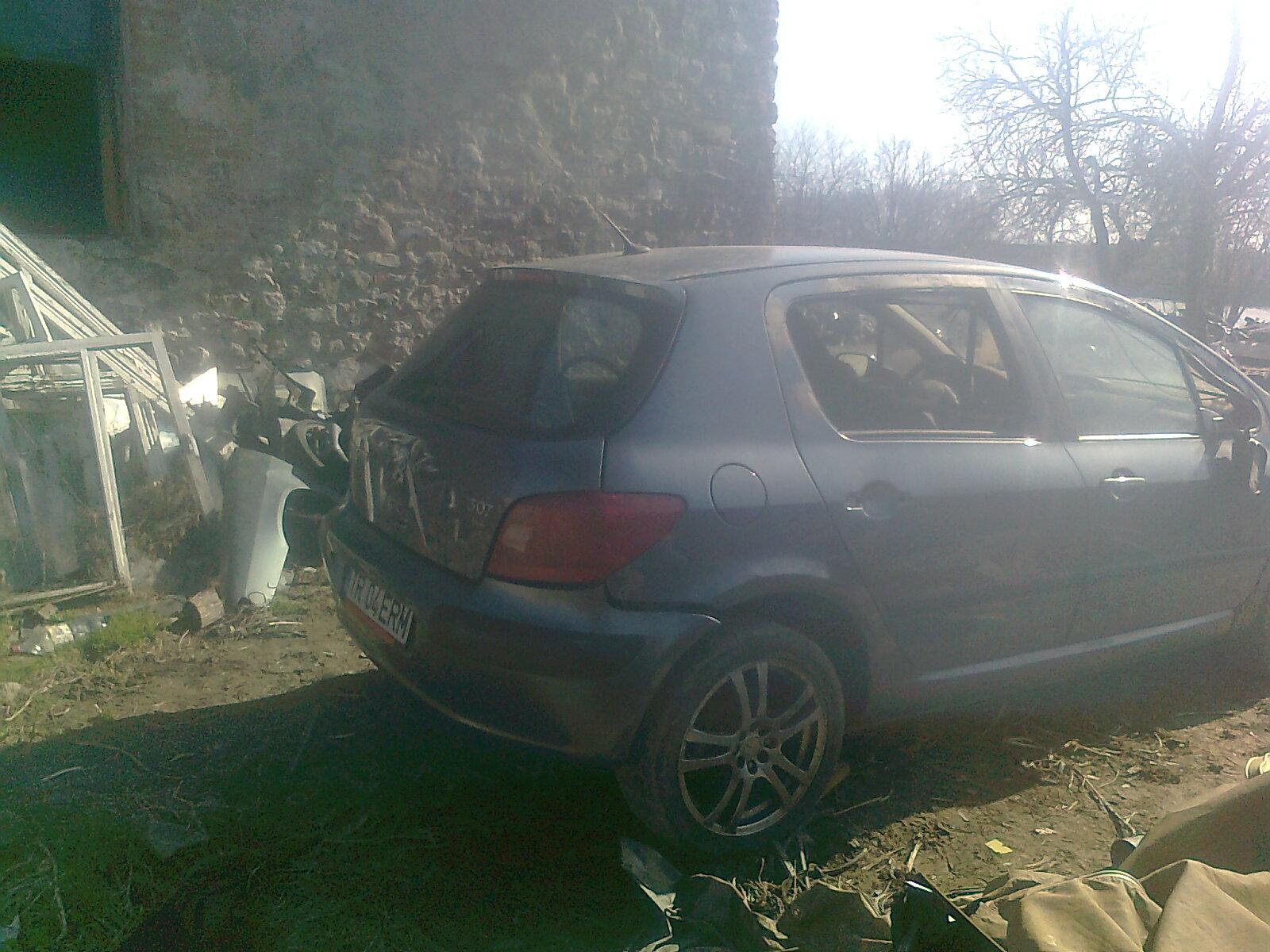 Peugeot 307 avariat 2006 Benzina Hatchback - 19 Iunie 2011 - Poza 1