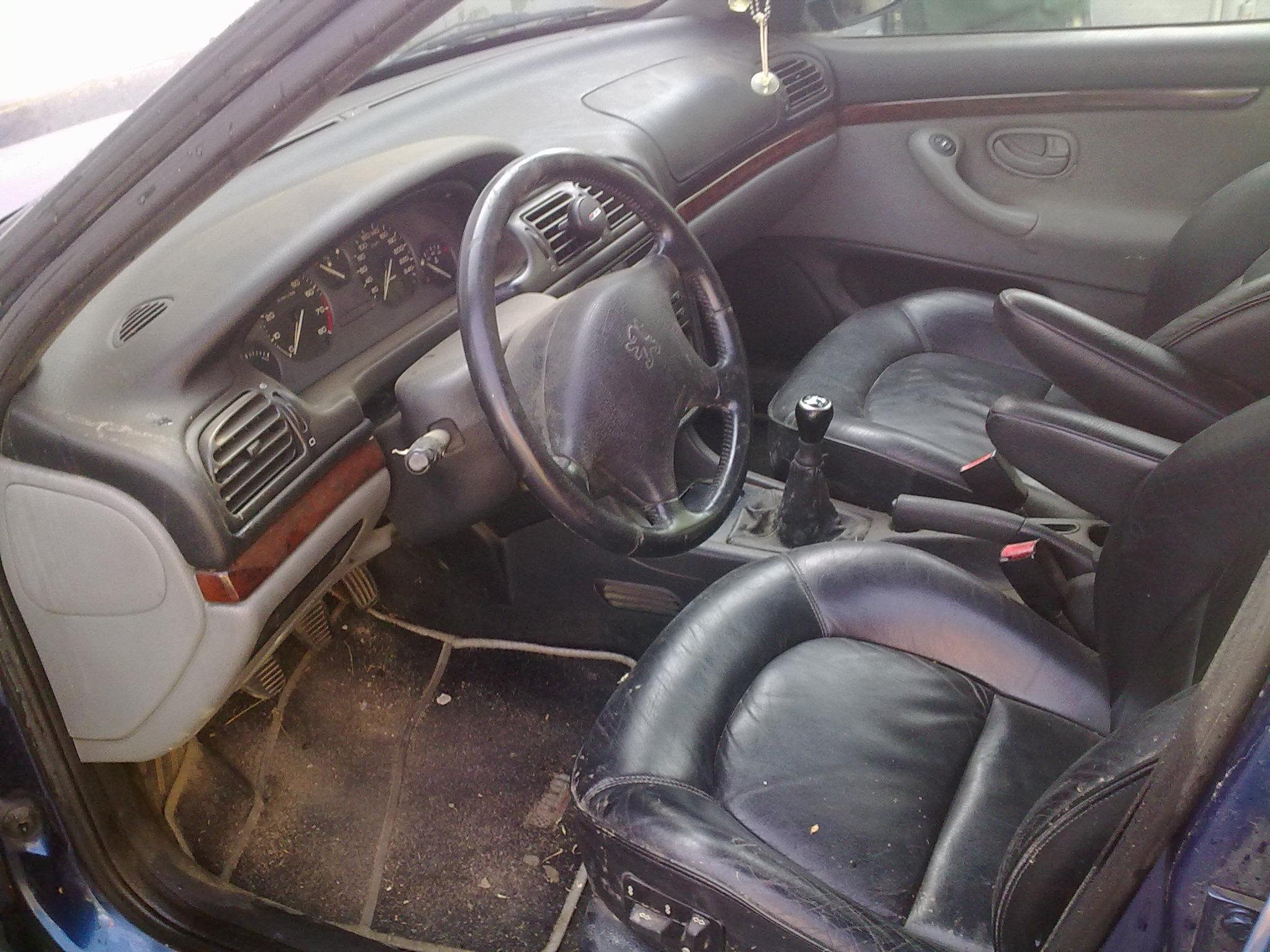 Peugeot 406 avariat 1997 Benzina Berlina - 04 Iunie 2011 - Poza 3