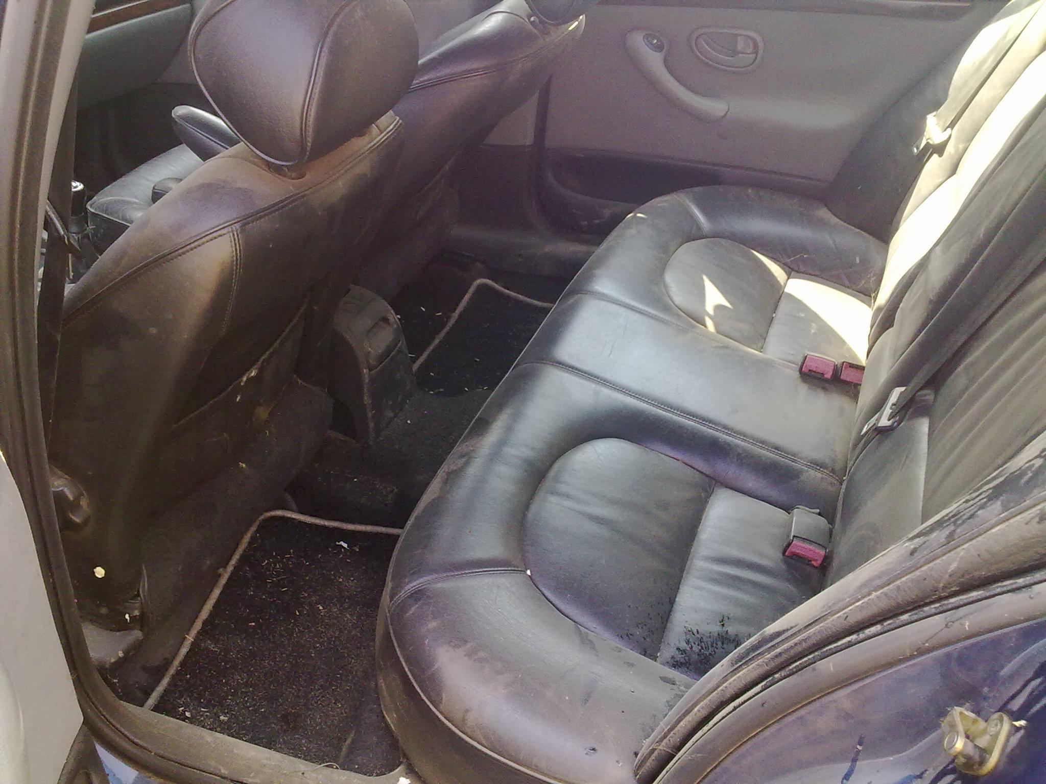 Peugeot 406 avariat 1997 Benzina Berlina - 04 Iunie 2011 - Poza 4