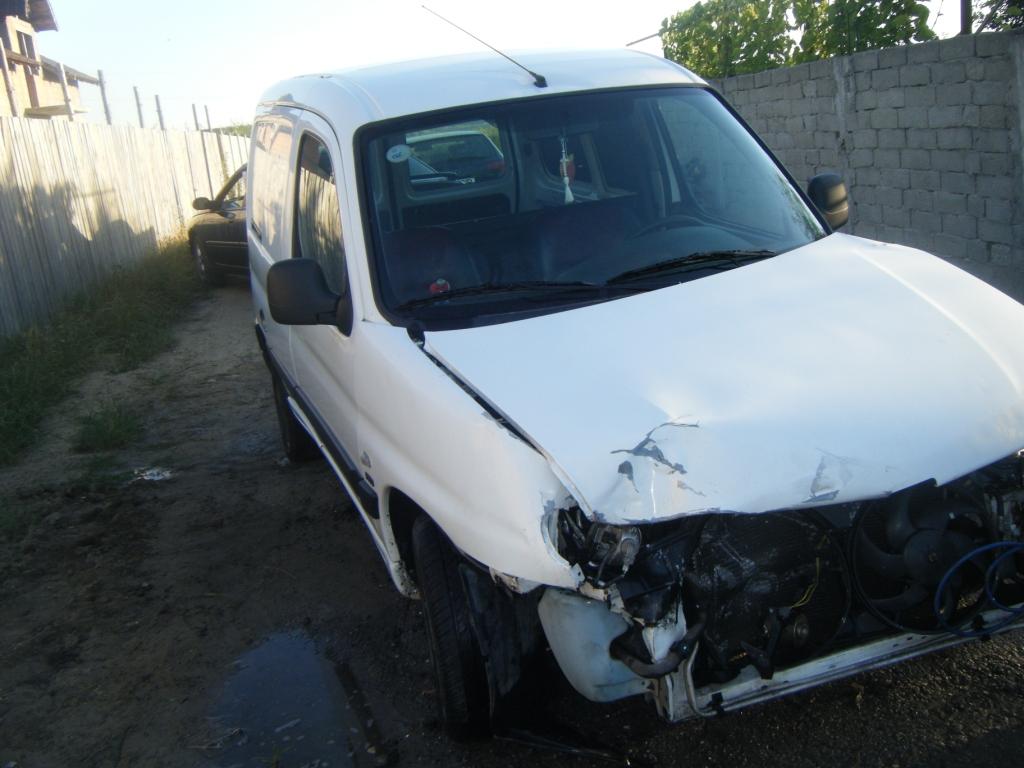 Peugeot Partner avariat 2001 Diesel VAN - 19 Iulie 2011 - Poza 5
