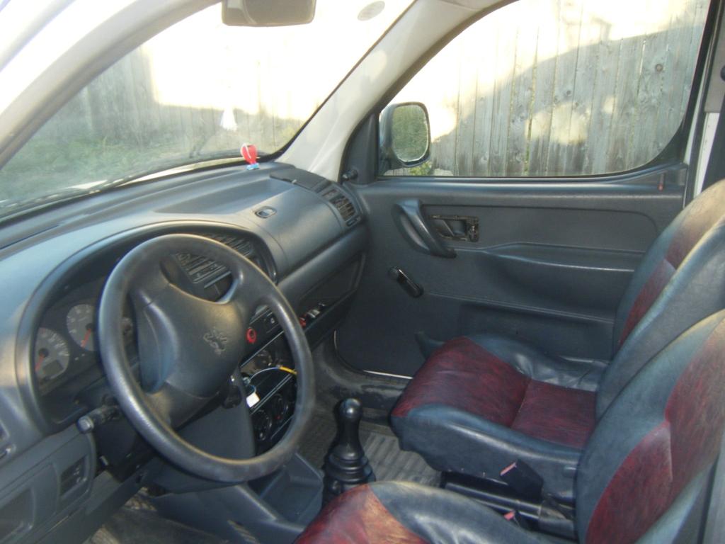 Peugeot Partner avariat 2001 Diesel VAN - 19 Iulie 2011 - Poza 3