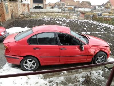 Radiator apa - BMW 318 din piese  dezmembrari auto - Poza 1