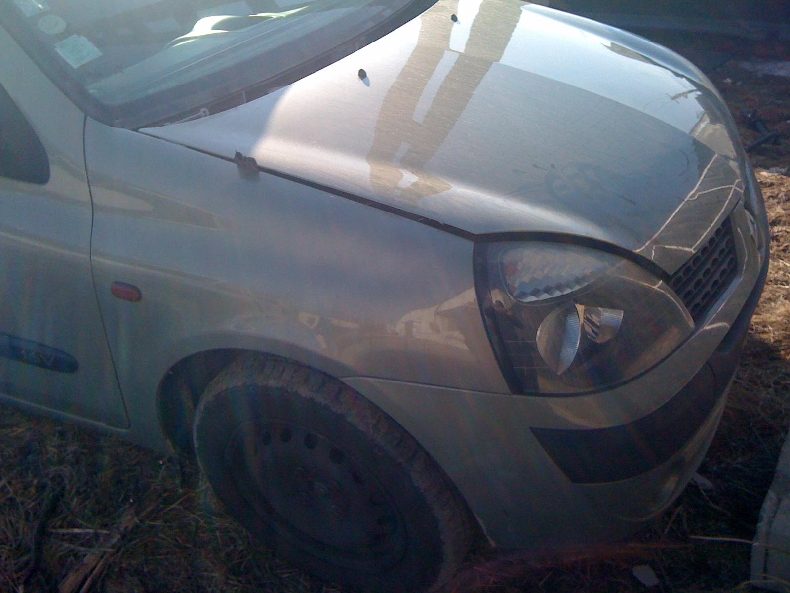 Renault Clio-II avariat 2003 Benzina Hatchback - 16 Februarie 2011 - Poza 2