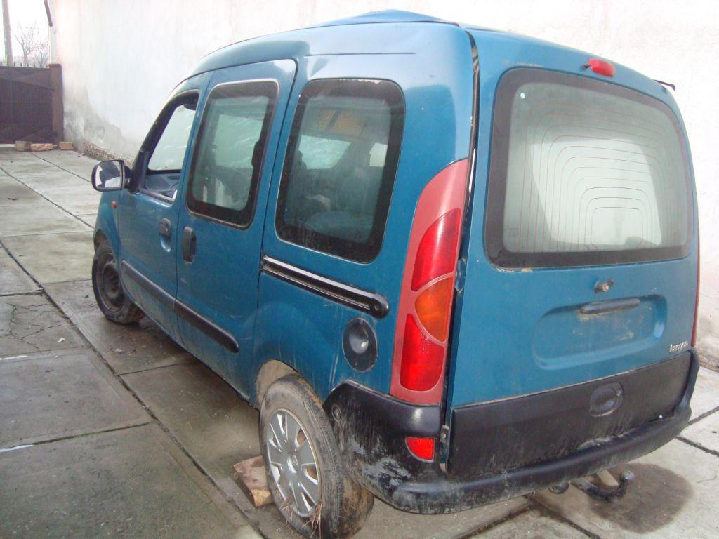 Renault Kangoo avariat 2000 Diesel Monovolum - 09 Februarie 2011 - Poza 5