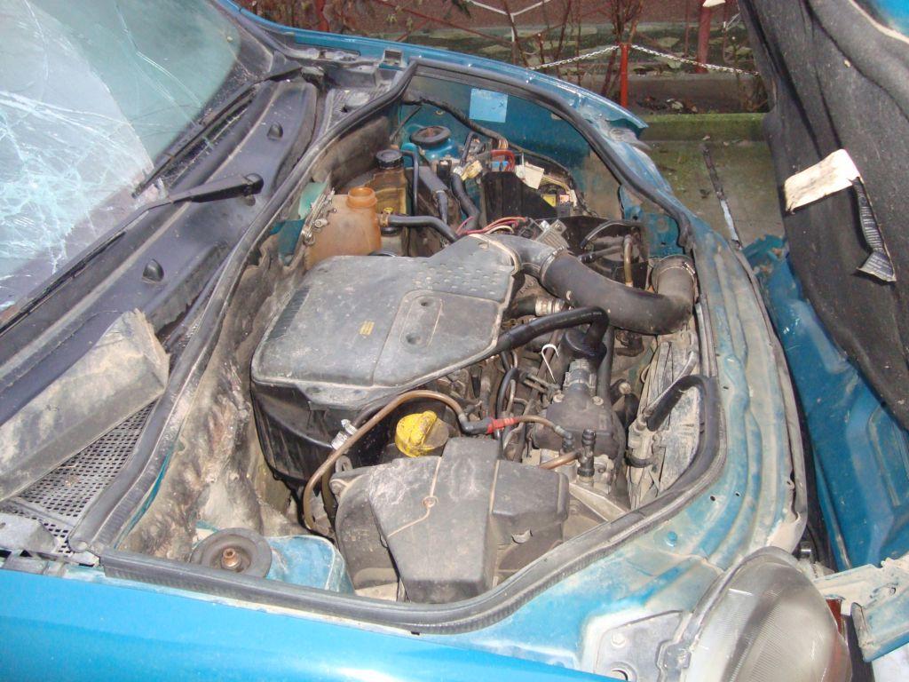 Renault Kangoo avariat 2000 Diesel Monovolum - 09 Februarie 2011 - Poza 1