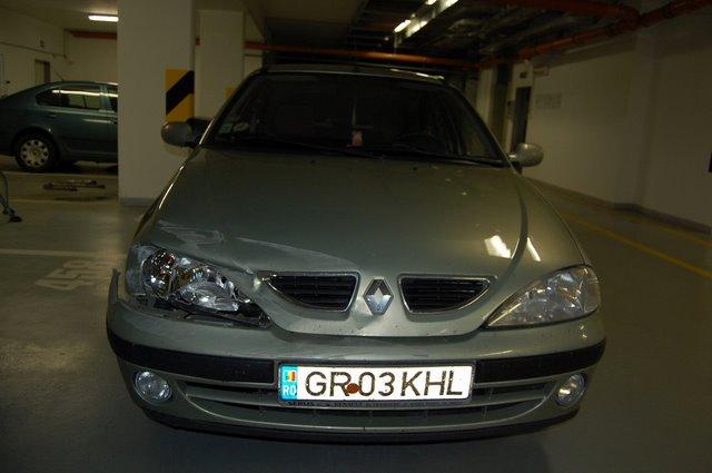 Renault Megane avariat 2000 Benzina Hatchback - 25 Ianuarie 2011 - Poza 2