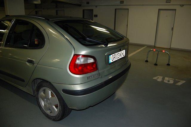 Renault Megane avariat 2000 Benzina Hatchback - 25 Ianuarie 2011 - Poza 4