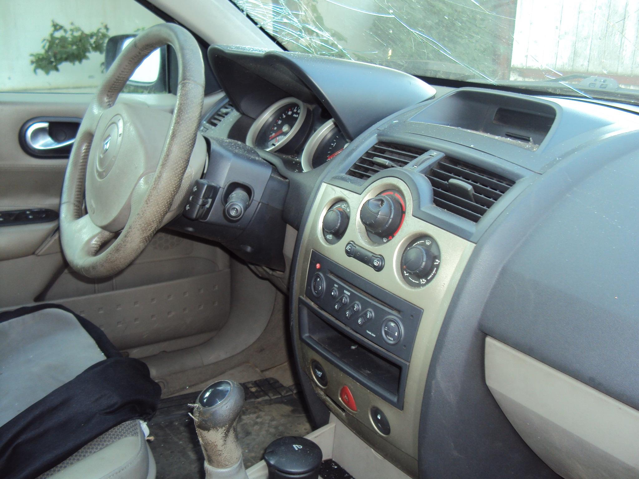 Renault Megane 2003 Interior Renault Megane Avariat 2003