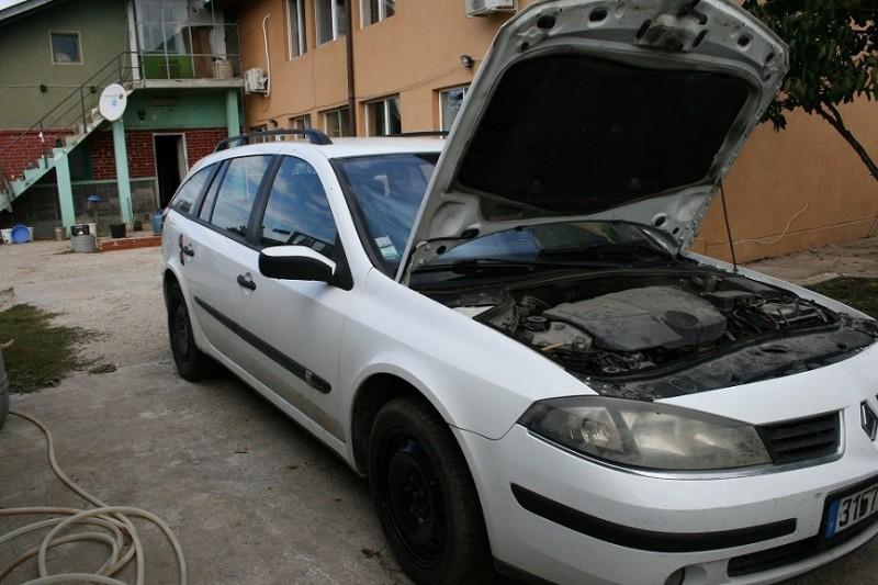 Usa stanga - Renault Laguna-II din piese  dezmembrari auto - Poza 1