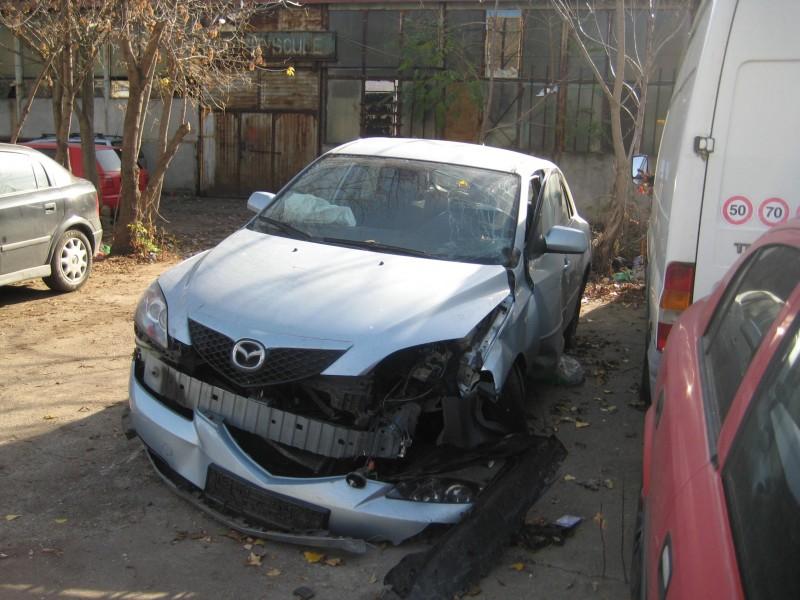 Vand Mazda 3 avariat - Poza 4