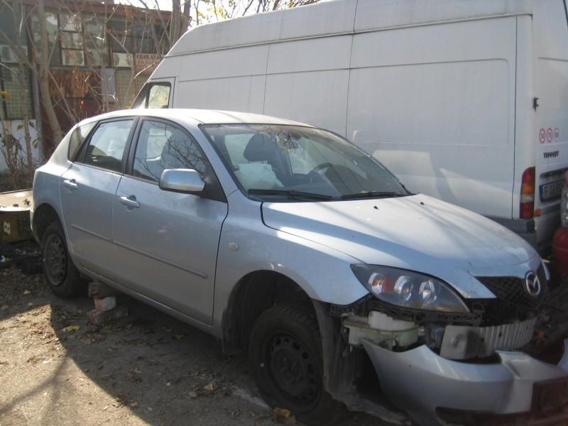 Vand Mazda 3 avariat - Poza 1