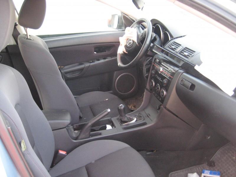 Vand Mazda 3 avariat - Poza 3