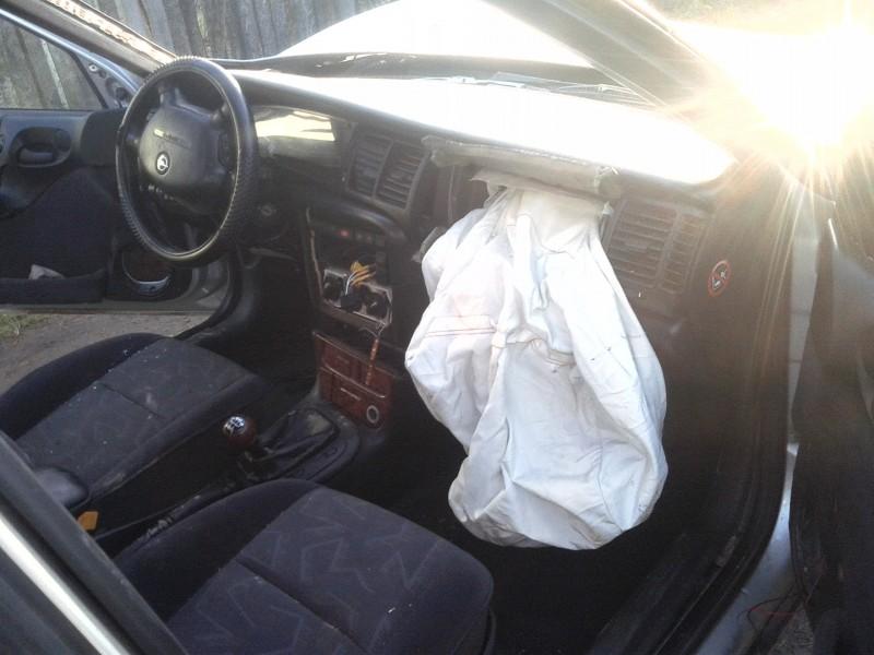 Vand Opel Vectra-B avariat - Poza 3