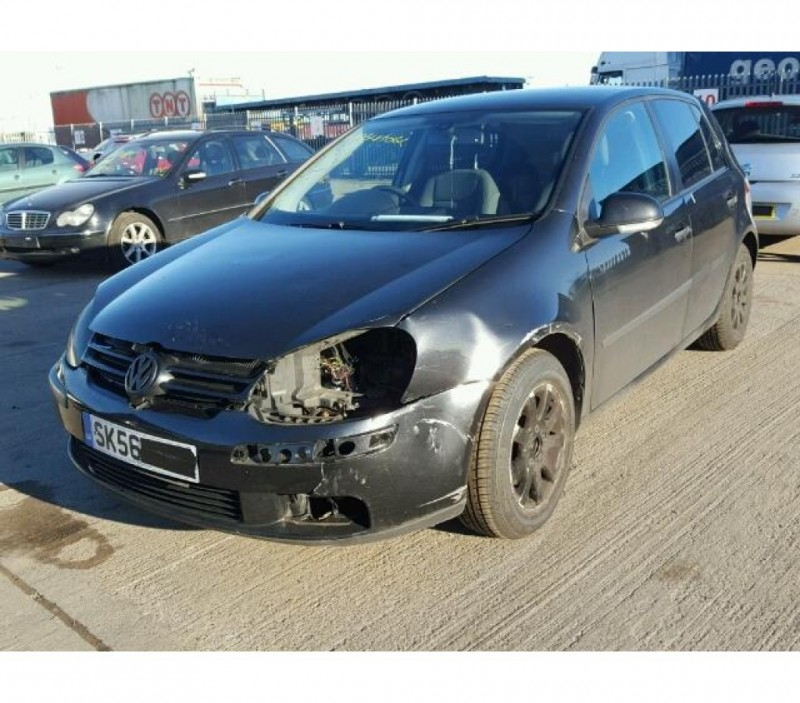 Vand Volkswagen Golf-V avariat - Poza 4