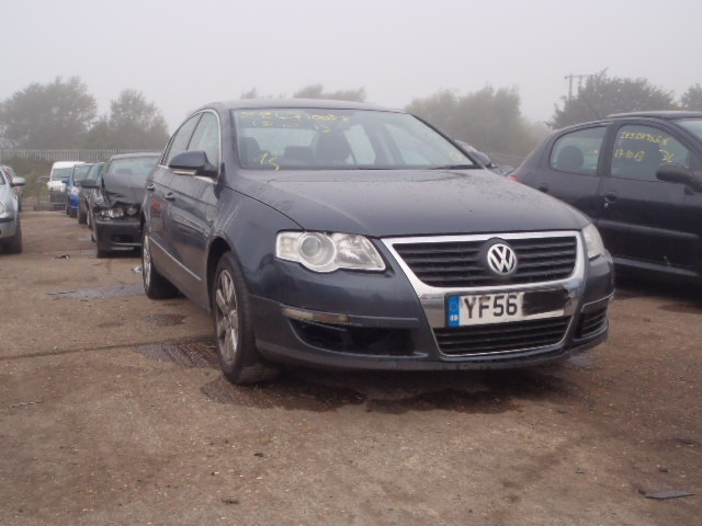 Vand Volkswagen Passat avariat - Poza 3