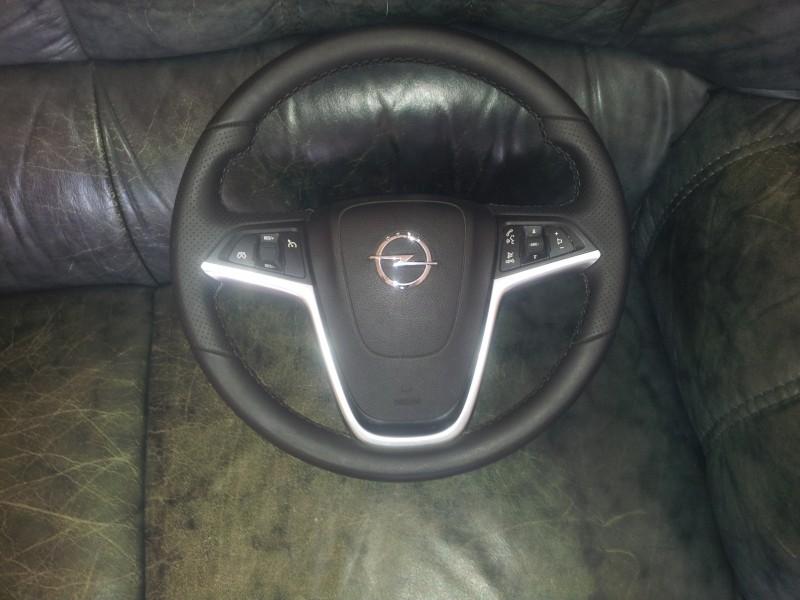 Volan cu airbag - Opel Insignia din piese  dezmembrari auto - Poza 1
