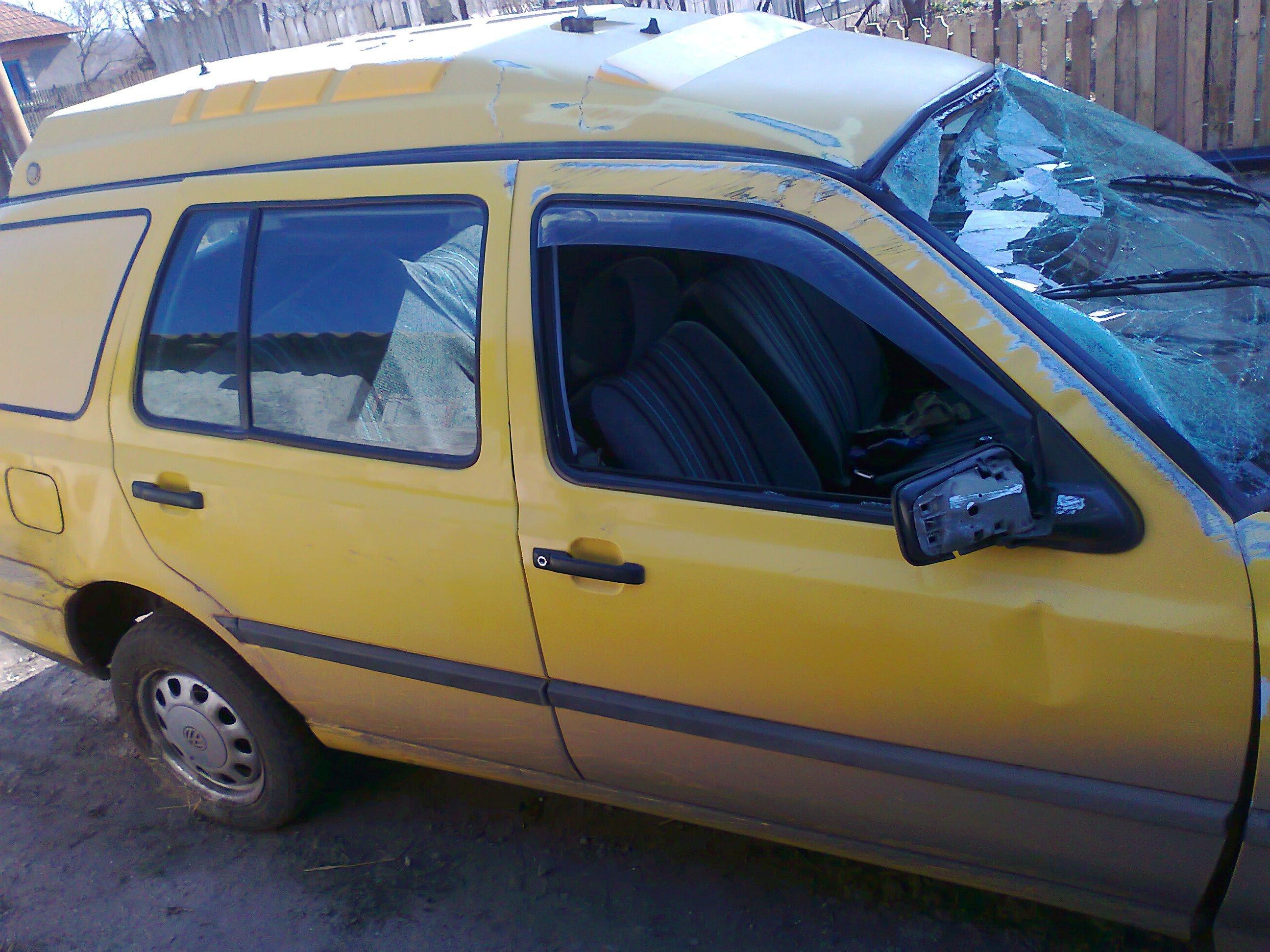 Volkswagen Golf-III avariat 1999 Diesel Combi - 02 Mai 2011 - Poza 2