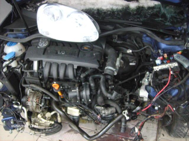 Volkswagen Golf-V avariat 2005 Benzina Hatchback - 03 Februarie 2011 - Poza 1