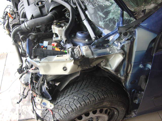 Volkswagen Golf-V avariat 2005 Benzina Hatchback - 03 Februarie 2011 - Poza 4