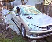 Peugeot 206 avariat 2007 Benzina Berlina - 01 Februarie 2011