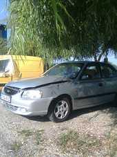 Hyundai Accent avariat 2002 Benzina Berlina - 03 Iulie 2013