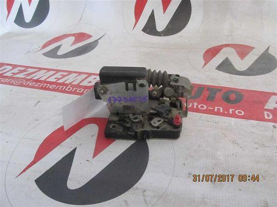 MECANISM INCHIDERE USA STG. FATA Dacia Logan I benzina 2006 - Poza 1