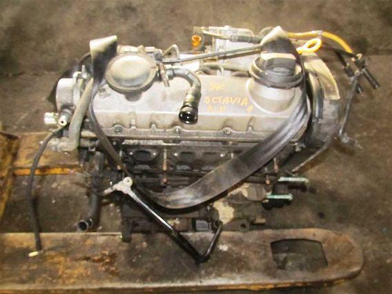 MOTOR COMPLET Skoda Octavia diesel 2004 - Poza 1