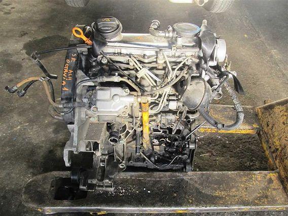 MOTOR COMPLET Skoda Octavia diesel 2004 - Poza 2