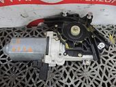 MOTORAS MACARA STANGA FATA Volkswagen Polo benzina 1998