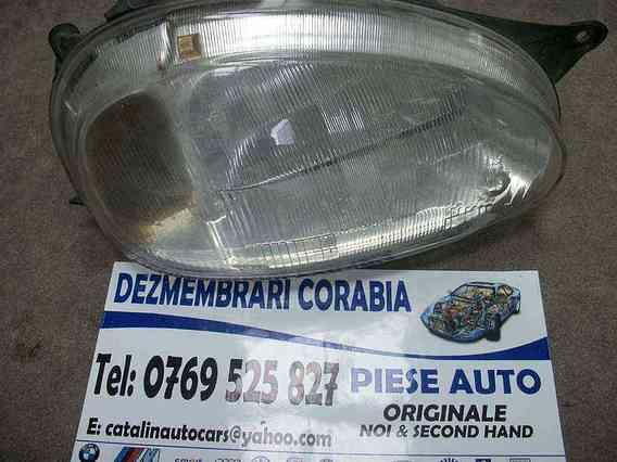 FAR DREAPTA Opel Corsa-B benzina 2000 - Poza 1