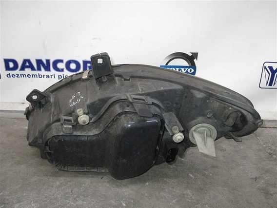 FAR DREAPTA Mercedes Vito diesel 2005 - Poza 2