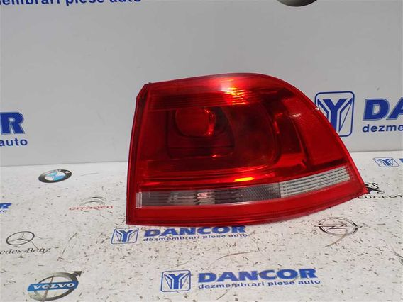 LAMPA DREAPTA SPATE Volkswagen Touareg diesel 2010 - Poza 2