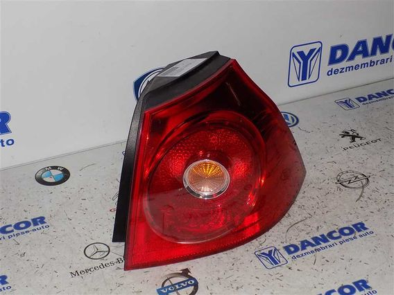 LAMPA DREAPTA SPATE Volkswagen Golf-V 2007 - Poza 4