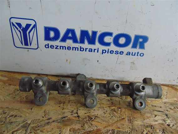 RAMPA INJECTIE Renault Master diesel 2015 - Poza 1