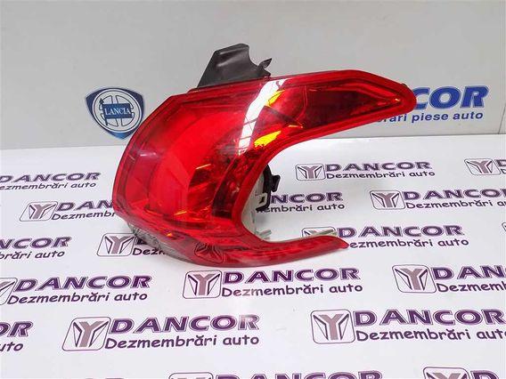 LAMPA DREAPTA SPATE Peugeot 2008 2015 - Poza 3