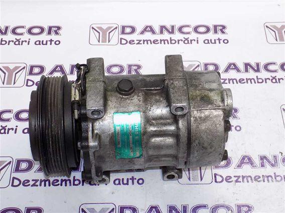 COMPRESOR  AC Renault Laguna-I diesel 2000 - Poza 2